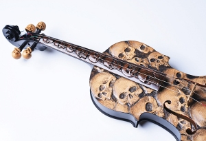 music to my ears Artist-In-Fla-Carved-Skull-Violin-Decoration